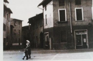 Osio Sotto piazza agliardi con via mazzini anni 80