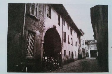 Osio Sotto via garibaldi con palazzo quadri anni 70