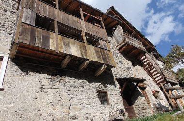 Pagliari Carona valle brembana Bergamo fra i meglio conservati nella sua architettura rustica