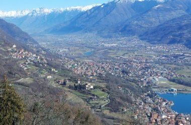 Panorama di Costa Volpino e frazioni verso la catena dell'Adamello vista da San Giovanni