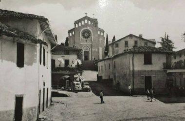 Piazza Tribulina Scanzorosciate anni 60