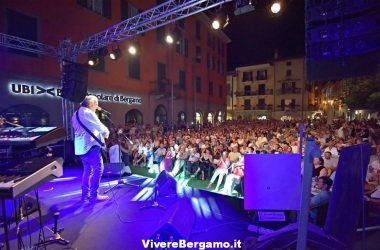 Piazza-di-Sarnico-Jerry-Calà