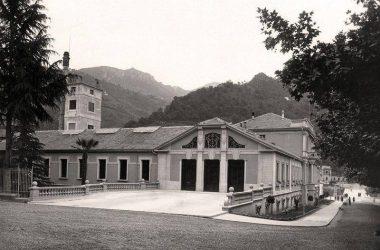 SAN PELLEGRINO TERME Edificio Via Mazzoni e piscina