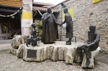 Statua papa Sotto il Monte Giovanni XXIII