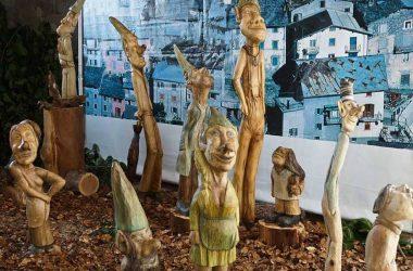 Statue di legno Ornica