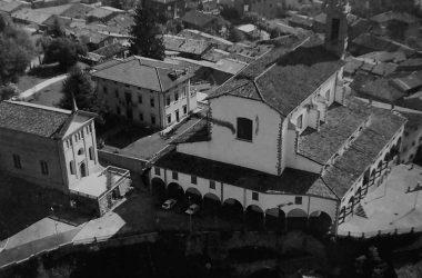 Vertova Aprile 1991; panoramica della Prepositurale e Chiesa di Lourdes