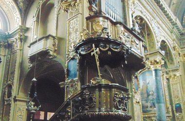 """Vertova -Bergamo -Chiesa parrocchiale di santa Maria Assunta -Giovan Battista Caniana e realizzato dalla Bottega di Bartolomeo Manni- """" il pulpito"""