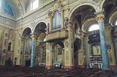 Vertova -Bergamo -Chiesa parrocchiale di santa Maria Assunta -L'interno è in stile barocco