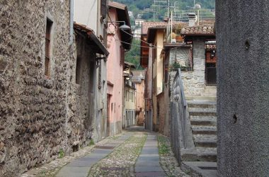 Vertova -Bergamo - Vie del borgo