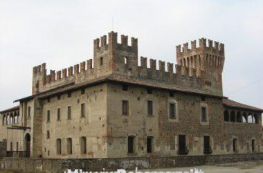 castello-di-cavernago-provincia-di-bergamo-comune-bergamasco-pianura