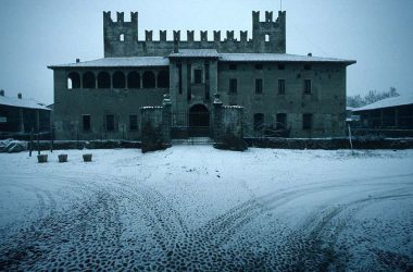 castello-malpaga-di-cavernago-provincia-di-bergamo-comune-bergamasco-pianura