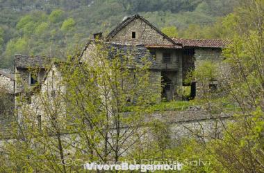 paesaggio-panorama-corna-imagna-paese-provincia-di-bergamo