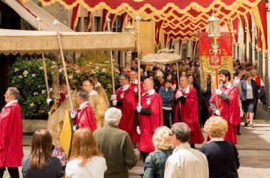 la processione a Gandino Bg
